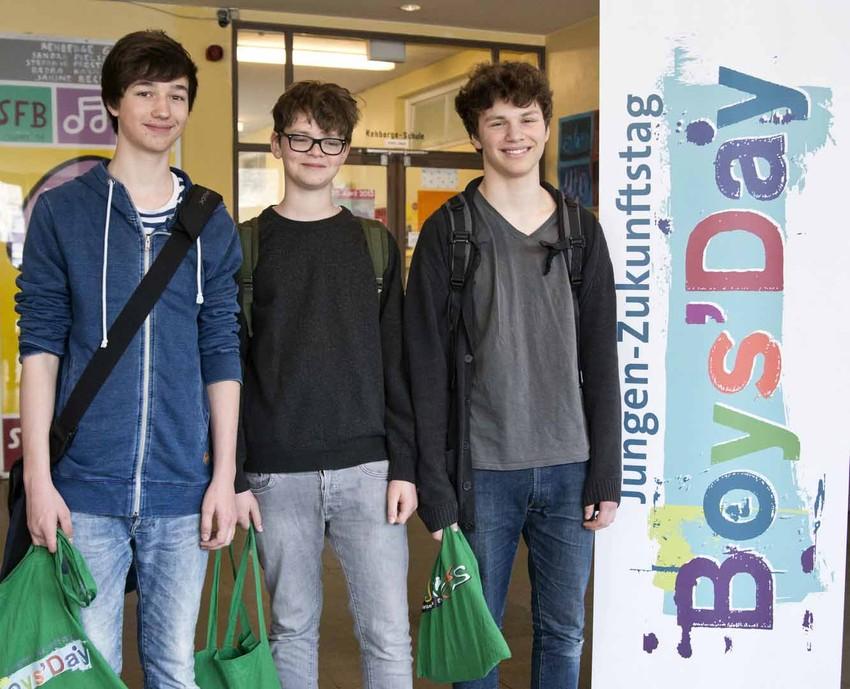 Jungen informieren sich über den Boys'Day
